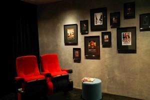 showroom inside office bioscoopstoel inrichting kantoor