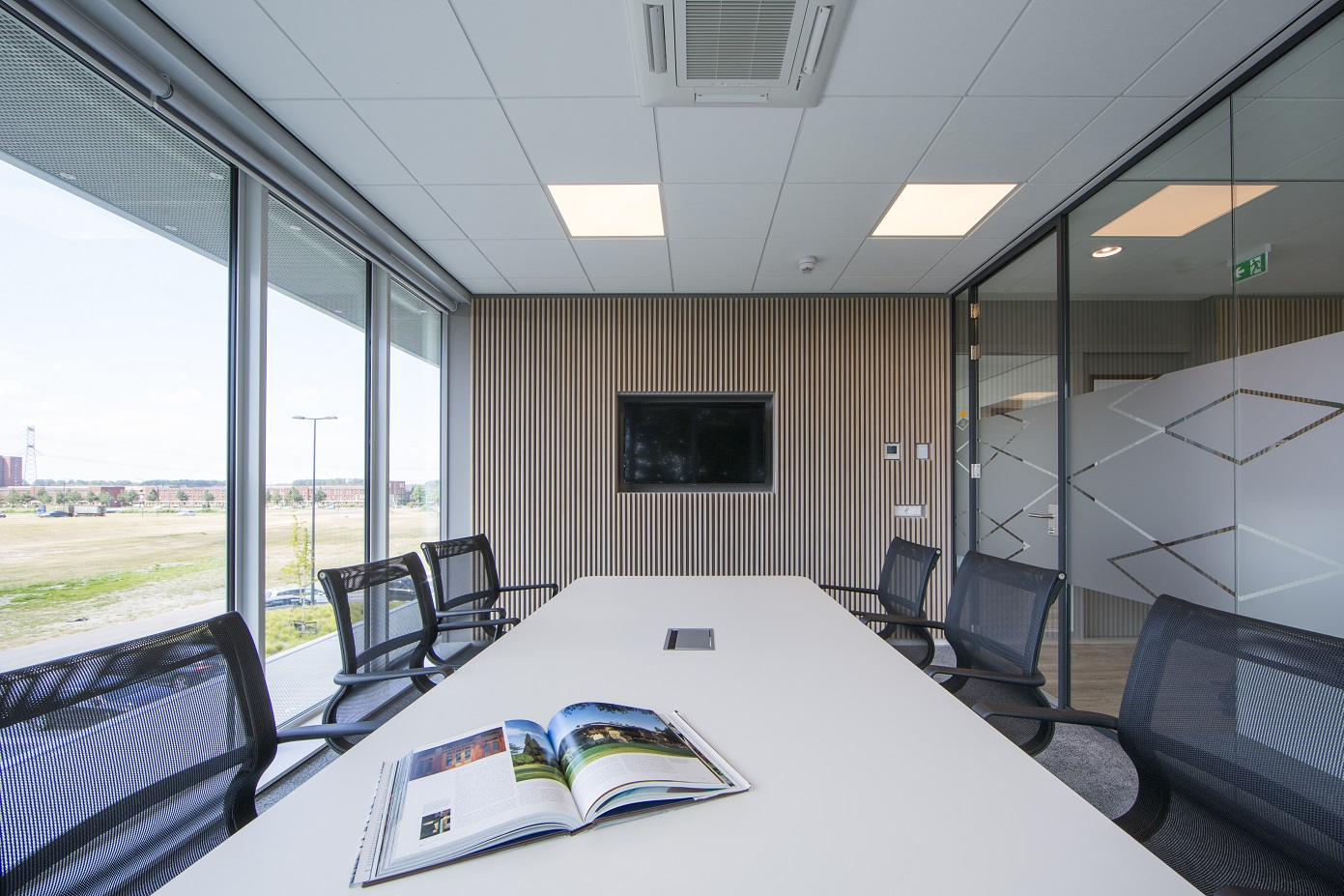 Vergadertafel_Projectinrichting_InsideOffice